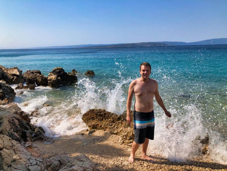 Waves clashing against rocks