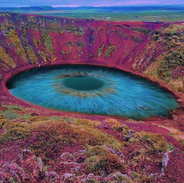 Fake photo of Kerid crater called Eye of the World